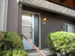 This is the apartment at 600 SW Crest View Street where we are staying with the Deasys.