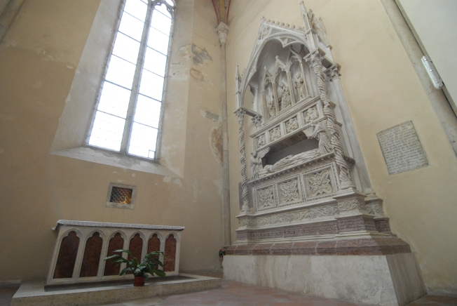 There are three popes buried in Perugia.  This is Pope Benedict XI's tomb in San Dominica.  His bones are in the box on the wall to the left of his monument.