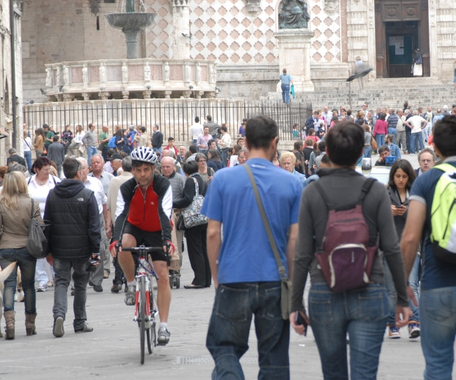 He starts at the apartment, right in the heart of Perugia.  From there it's one giant downhill cruise for at least a mile.  It seems like a great way to start, but must be pure hell coming home.