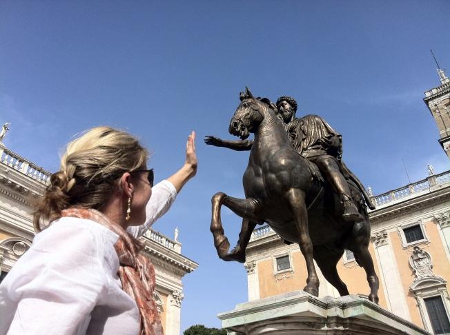 High fivin' Emperor Marcus Aurelius in Piazza del Campidoglio