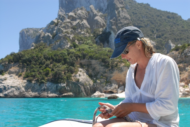 With her experience on sailboats, Stacia gets lots of practice tying knots so she was in charge of fastening the anchor.  Then Matt would pull up next to the beach and let us off before dropping the anchor 100 yards from shore and swimming in.